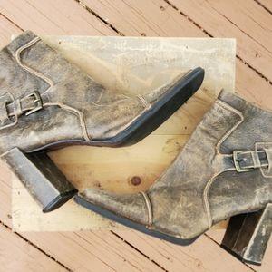 PAZZO Shoes - Jane Seymour signature leather boots. Size 9M EUC